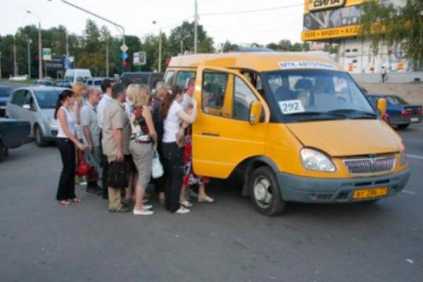 Поездки на маршрутке в Колпино