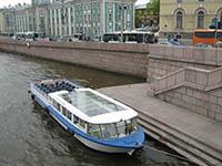 Речные прогулки по Санкт-Петербургу